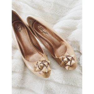 "Anthropologie ""Miss Albright"" Leather Bow Heels"
